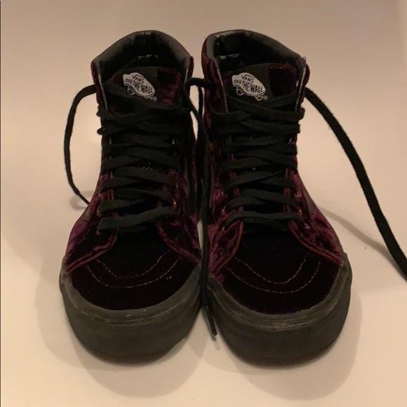 df0dc55ef73 VANS high top velvet sneakers. M 5bd8a20daa8770a3a82a2f75
